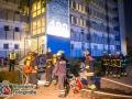 In der Nacht zu Mittwoch kam es in Rothenburgsort zu mehreren Bränden. In der Straße Billhorner Röhrendamm brannte zunächst Unrat an einer Hausfassade, eine Stunde später brannten zwei Kellerverschläge ein paar Hundert Meter weiter. Ein Zusammenhang kann nicht ausgeschlossen werden. DIe Feuerwehr rückte mit einem Großaufgebot zu dem Kellerbrand aus, da nicht sicher war, ob Menschen gefährdet sind. Unter Atemschutz konnte das Feuer durch die Hilfe einer Druckbelüftung schnell lokalisert und bekämpft werden. Verletzt wurde bei den Einsätzen niemand. Foto: Dominick Waldeck