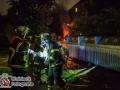 Am Samstagabend brannte in Horn an der Sievekingsalle ein Müllcontainer. Kurze Zeit später ging am Schiffbeker Weg in Billstedt ein Wohnwagen in Flammen auf. Die Feuerwehr konnte beide Brände schnell löschen und ein Übergreifen auf umliegende Gegenstände verhindern. Ob ein Zusammenhang zwischen den beiden Bränden besteht, konnte die Polizei nicht sagen. Die Ermittlungen zur Brandursache wurden aufgenommen. Foto: Dominick Waldeck