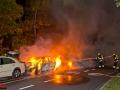 2 PKws in Steilshoop abgebrannt - Polizei findet mehrere Flaschen Spiritus