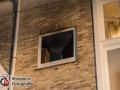 Am späten Dienstagabend geriet aufgrunde eines technischen Defektes eine Waschmaschine in Brand. Die Bewohner bemerkten das Feuer schnell und alarmierten die Feuer. Bei Eintreffen der Kräfte konnte eine Gefahr für Menschen nicht ausgeschlossen werden, sodass weitere Kräfte anrückten. Das Feuer konnte aber zügig mit einem C-Rohr gelöscht werden. Die ca. 15 Bewohner mussten das Haus verlassen, konnten anschließend aber wieder in ihre Wohnungen. Foto: Dominick Waldeck