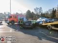Ein Streifenwagen war gegen 09:20 Uhr auf der Hebebrandstraße auf dem Weg zu einem Feuer am AK Barmbek. Es sollte ein RTW der Firma GARD brennen. Es stellte sich jedoch heraus, dass eine angelassene Standheizung Ursache für die Rauchentwicklung war. Auf der Kreuzung Hebebrandt-/Fuhlsbüttler Straße kam es zur Kollision mit einem Mini. Ein Polizist und der Fahrer des Minis wurden leicht verletzt und mussten in ein Krankenhaus befördert werden. Foto: Dominick Waldeck