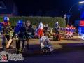 Ein junger Mann verlor auf dem Pezolddamm in Hamburg-Bramfeld die Kontrolle über seinen Golf und kam von der Fahrbahn ab. Das Fahrzeug überschlug sich, riss einen Stromkasten mit und blieb auf dem Dach liegen. Glücklicherweise bestand keine Verbindung zwischen Fahrzeug und den stromführenden Elementen des Stromkastens, so dass die Feuerwehren aus Sasel und Bramfeld schnell die verletzte Person retten konnten. Der junge Fahrer kam in ein Krankenhaus.  Zur Unfallursache hat die Polizei die Ermittlungen aufgenommen.  Foto: Dominick Waldeck