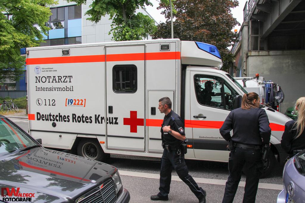 Messerstich_Polizist_01