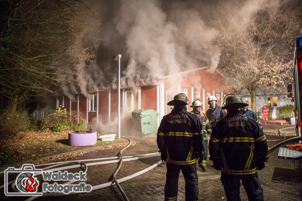 22.11.2016 - ca. 21Uhr - Feuer in Asylunkerkunft am Waldweg