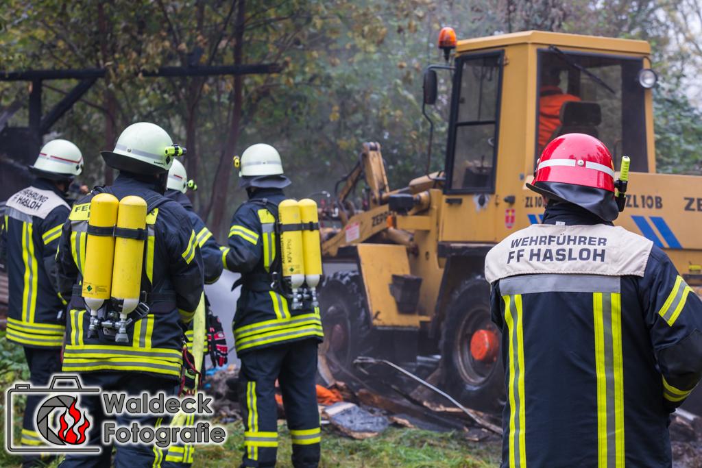 24.10.2016 - Quickborn - Feuer zerstört Unterstand von alter Munitionsfabrik