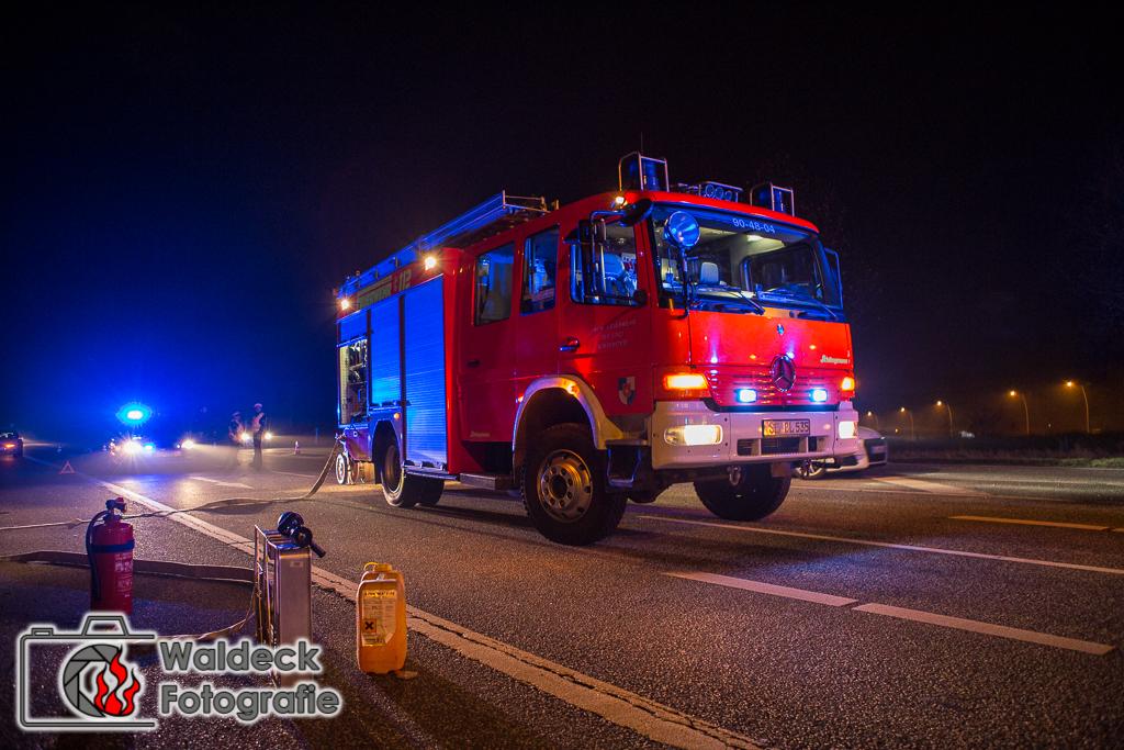 13.12.2016 05:00 Uhr - Norderstedt - Schwerer Unfall nach Vorfahrtsmissachtung