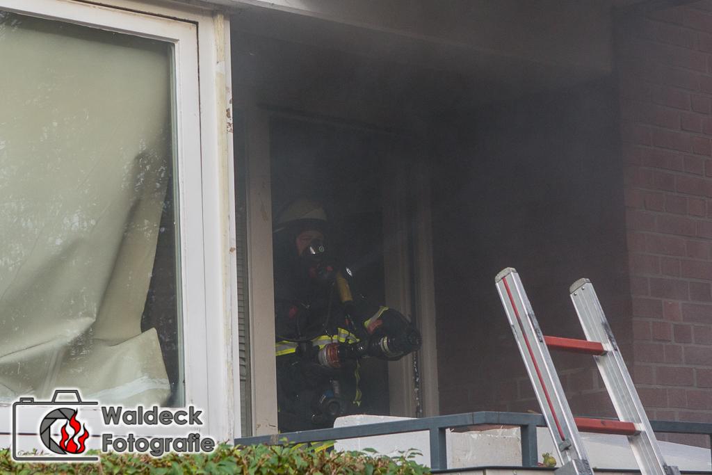 Hamburg-Ohlsdorf 13.11.2016 13 Uhr - Wohnungsbrand in Mehrfamilienhaus