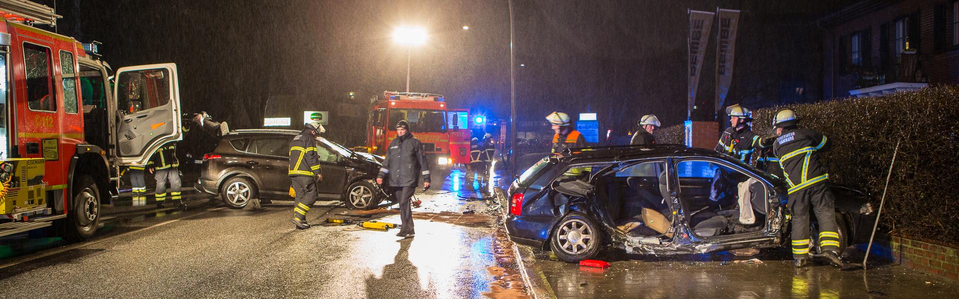 19.03.2017 – Eingeklemmte Person nach Verkehrsunfall in Langenhorn