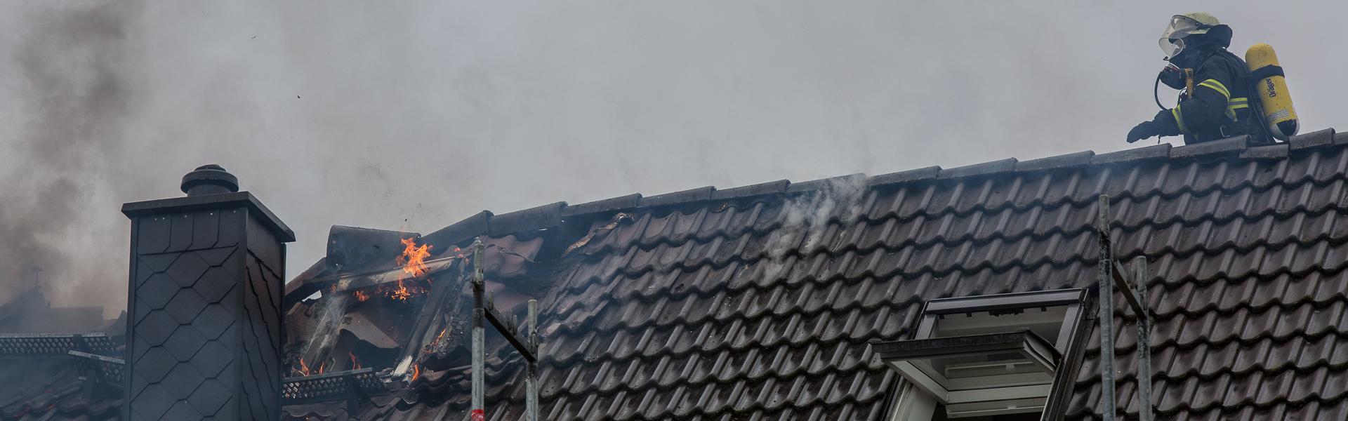 24.05.2017 – Dachstuhlbrand in Hamburg-Wellingsbüttel