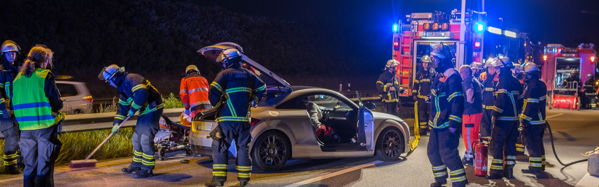 16.06.2017 – Audi rammt Leitplanke am Flughafen