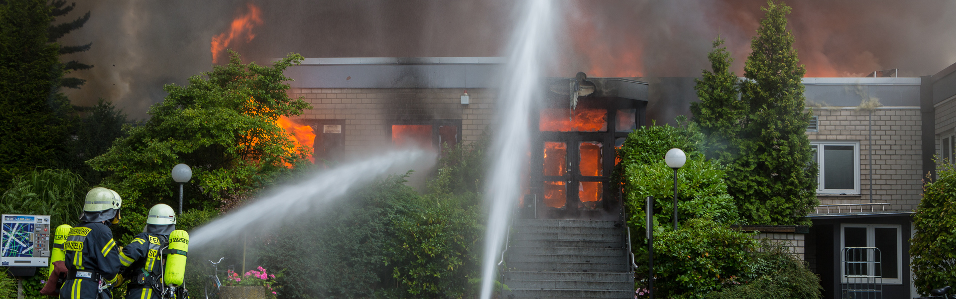 10.08.2017 – Schweißarbeiten lösen Großeinsatz in Schenefeld aus
