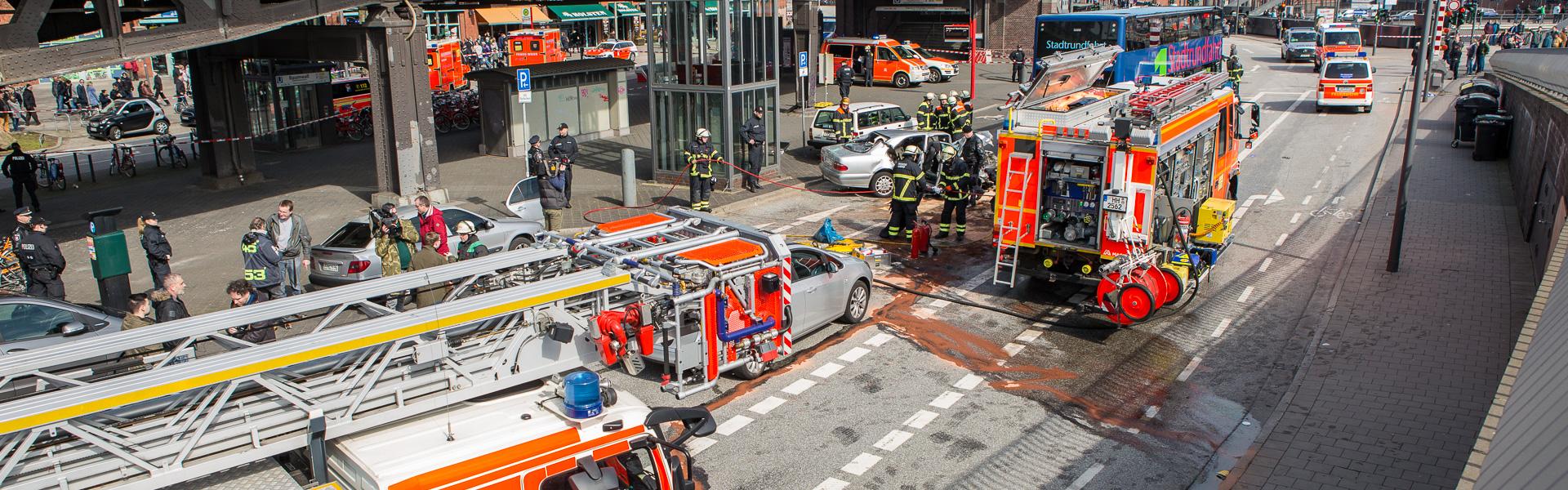 02.04.2018 – Schwerer Unfall mit Stadtrundfahrtbus