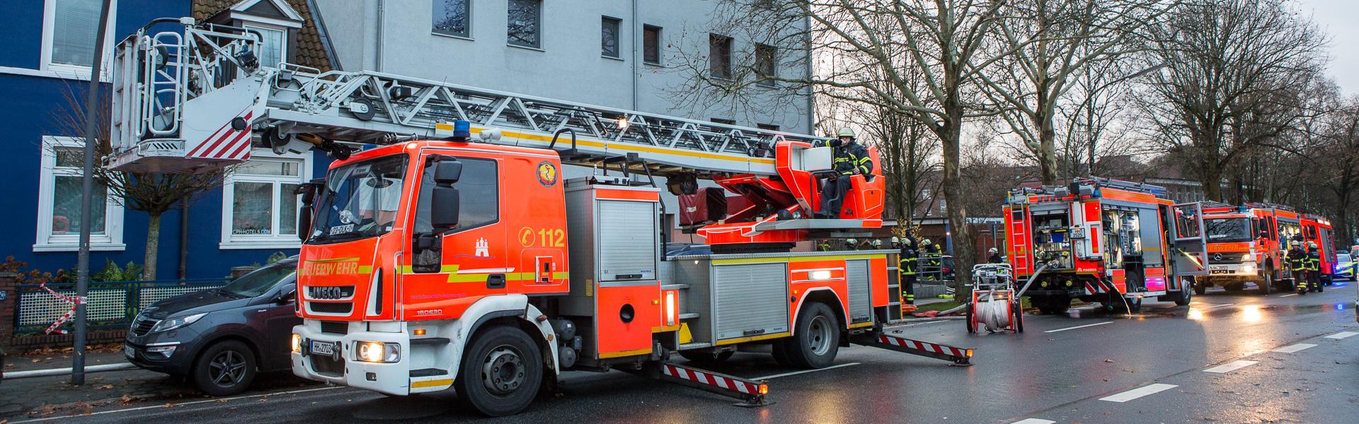 08.12.2018 – Zimmerbrand in Wandsbek fordert Todesopfer