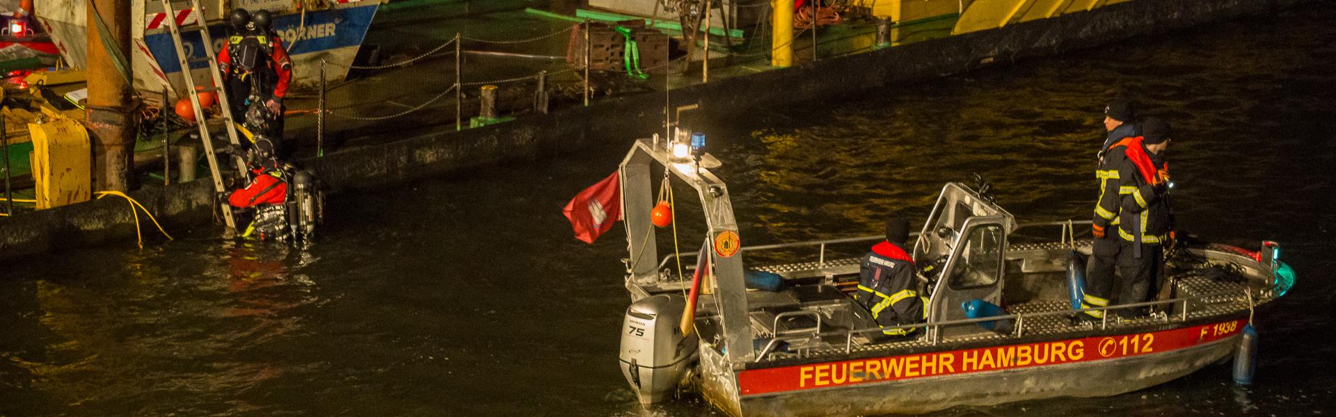 08.12.2018 – Feuerwehr sucht Mann in der Alster