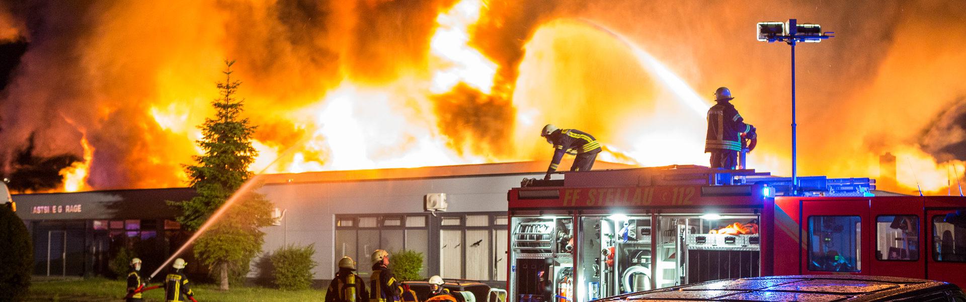 25.07.2020 – Lagerhalle brennt in Barsbüttel nieder
