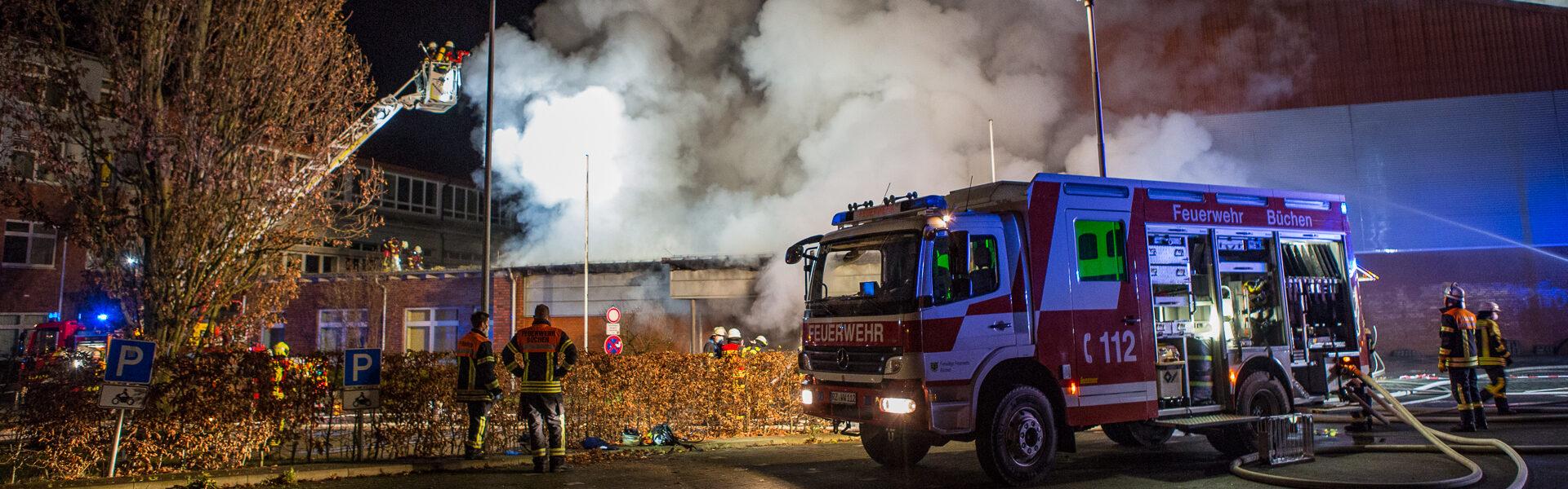 18.12.2020 – Anbau von Turnhalle brennt vollständig aus