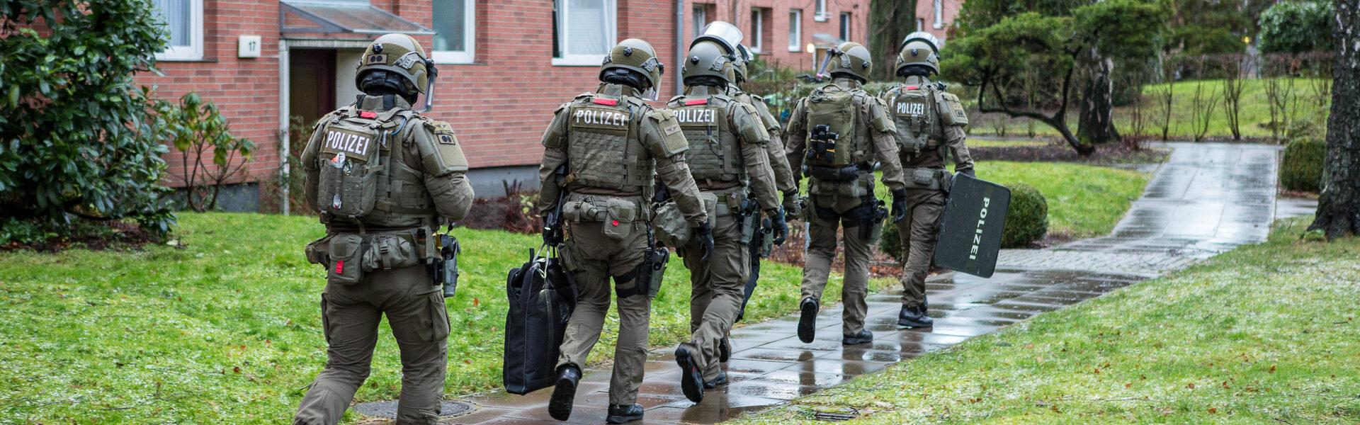 13.01.2021 – Großeinsatz der Polizei in Hamburg Bramfeld