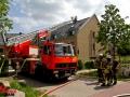 Norderstedt 28.05.2016 Dachstuhlbrand, Falkenbergstraße ca. 13:00 Uhr, Feuer im Dachstuhl eines MFH, Angriff über zwei Drehleitern. ca. 50 Kräfte im Einsatz
