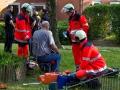 Bastler flext Sprayydose an - Explosion - Schwerverletzt ins Krankenhaus