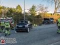 Auf der Ulzburger Stra´ße kam es zu einem schweren Verkehrsunfall zwischen einem Mini und einem BMW.  Die BMW-Fahrerin wurde verletzt und musste in ein Krankenhaus. Die zwei Frauen im MIni wurden ebenfalls verletzt. Die Fahrerin musste sogar von der Feuerwehr aus dem Fahrzeug geschnitten werden, da sie im Fußbereich eingeklemmt war. Sie kam mit dem Rettungshubschrauber in eine Klinik. Unfallursache unklar. Vermutlich kam der Mini in den Gegenverkehr. Foto: Dominick Waldeck