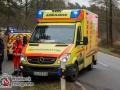 Gegen 09:20 Uhr gingen mehrere Notrufe bei der Integrierten Rettungsleitstelle in Bad Oldesloe ein. Ein Fiat 500 hatte sich in Großensee-Glashütte überschlagen und lag auf der Seite. Die Insassin war eingeklemmt. Die Feuerwehren aus Trittau, Lütjensee und Großensee sowie der Rettungsdienst wurden alarmiert. Die verunglückte Fahrerin konnte schnell, aber patientengerecht durch die unbeschädigte Heckklappe gerettet werden. Sie kam ansprechbar in das Unfallkrankenhaus Boberg.  Ursache war laut Polizei ein Ausweichmanöver was die 55-Jährige für ein Reh vollzogen hatte.  Foto: Dominick Waldeck