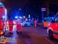 Am späten Freitagabend kam es aufgrund einer Rotlichtfahrt zu einem schweren Verkehrsunfall an der Kreuzung Überseering/Jahnring. Ein Taxi wollte in den Jahnring einbiegen und kollidierte mit einem Ford der den Jahnring in stadteinwärts befuhr. Wer von den beiden das Rotlicht missachtet hat ist nun Ermittlungssache der Polizei. Insgesamt wurden vier Personen verletzt und in ein Krankenhaus geliefert. Foto: Dominick Waldeck